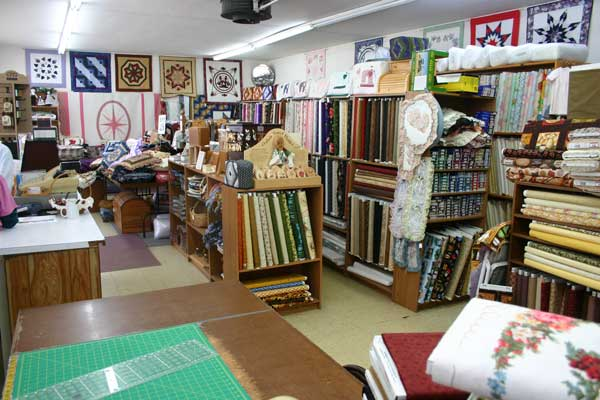 Swiss Village Quilts (Sugarcreek) – Amish Leben : quilt shops ohio - Adamdwight.com